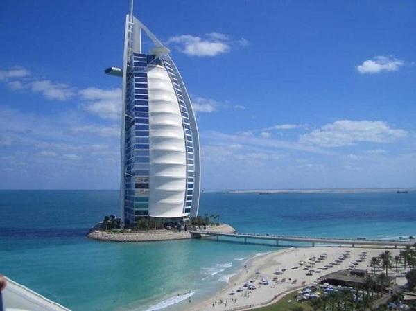 Tìm hiểu khách sạn 7 sao BURJ AL ARAB xa xỉ nhất thế giới