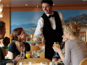 Những nguyên tắc hàng đầu của nhân viên phục vụ nhà hàng