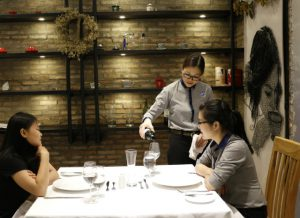Cách quản lý nhà hàng hiệu quả nâng cao doanh thu