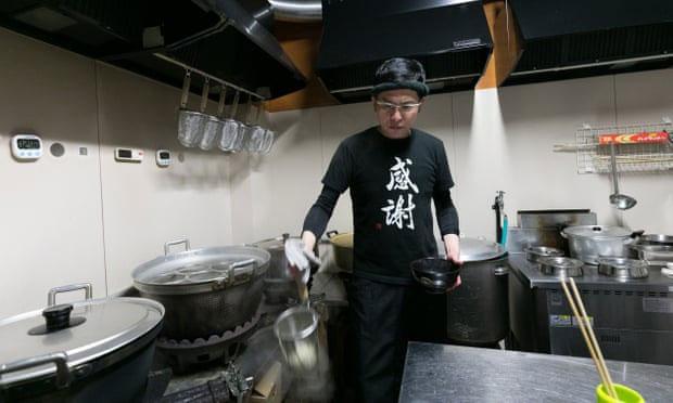 Hành Trình Hoàn Lương Trở Thành Chủ Nhà Hàng Của … Trùm Xã Hội Đen Nhật Bản