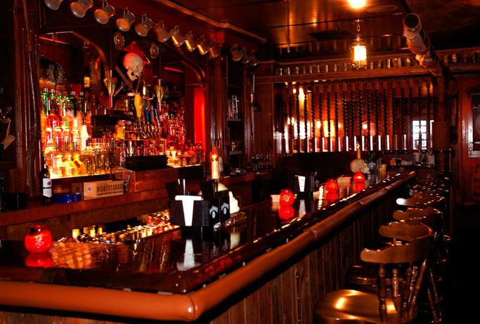 mot goc quay bar cua mot quan pub