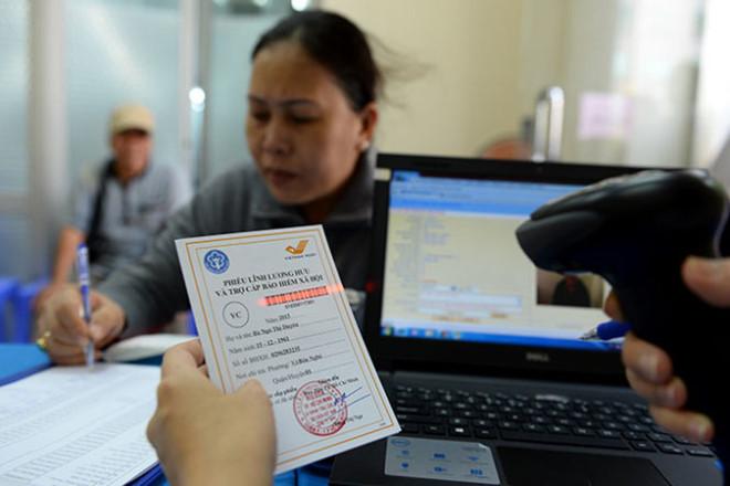 scan mã vạch trên phiêu lãnh lương hưu